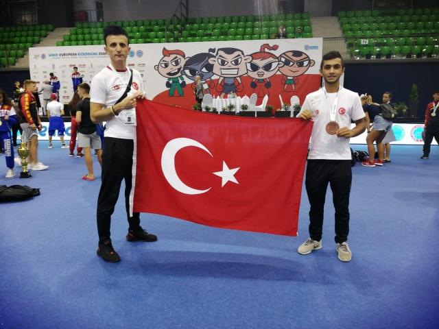Ataşehirli Milli Sporcu Kick Boks'ta Avrupa Üçüncüsü Oldu
